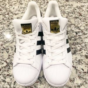 NEW Adidas Superstar sneakers size 9